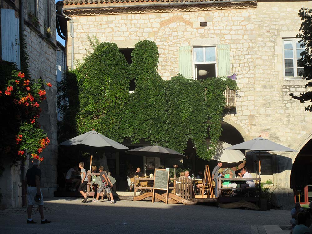 Restaurant traditionnel sud ouest 47 le jardin for Le jardin des frenes restaurant